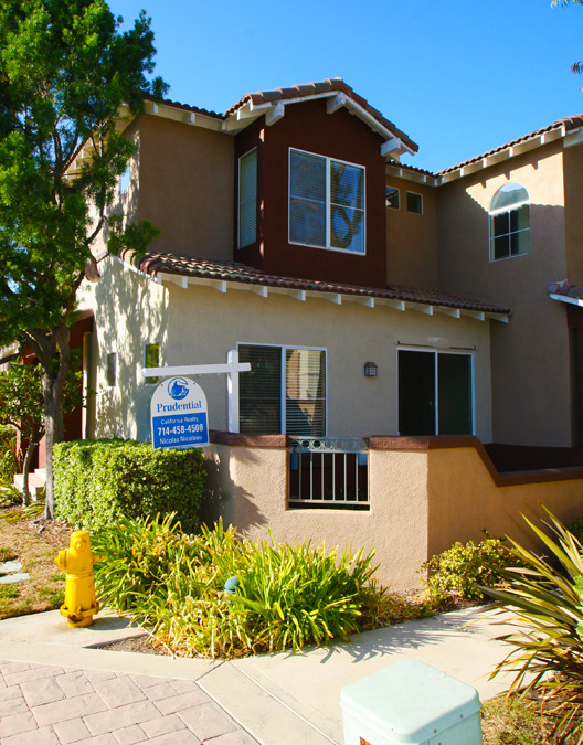 Vineyards Community Condo For Sale Foothill Ranch