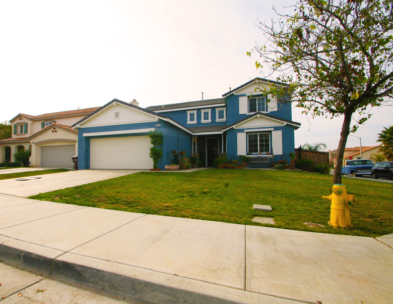 Menifee Cul-De-Sac Home with Major Curb Appeal Greens Community For Sale