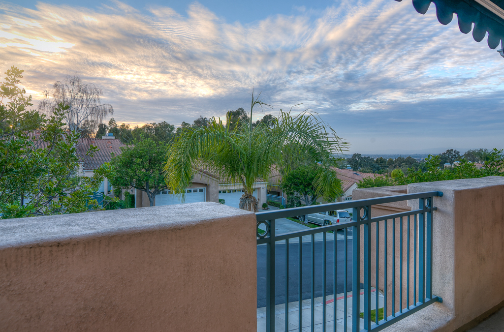 Luxury Town Home in Firenze Gated Community – Anaheim Hills