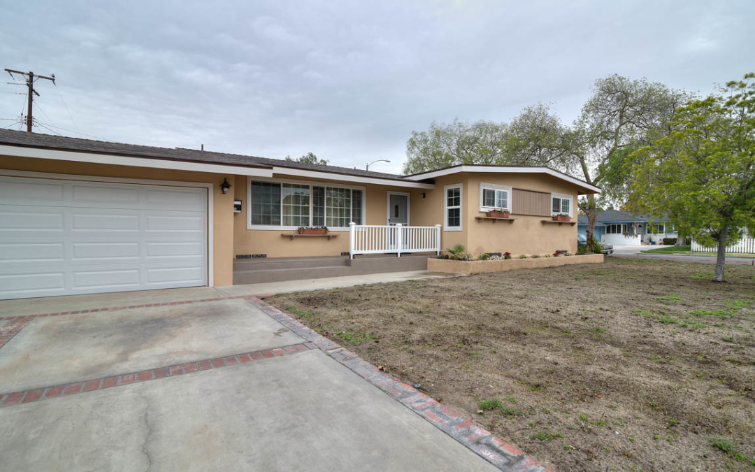 Upgraded Single Story Mid Century Home – Anaheim