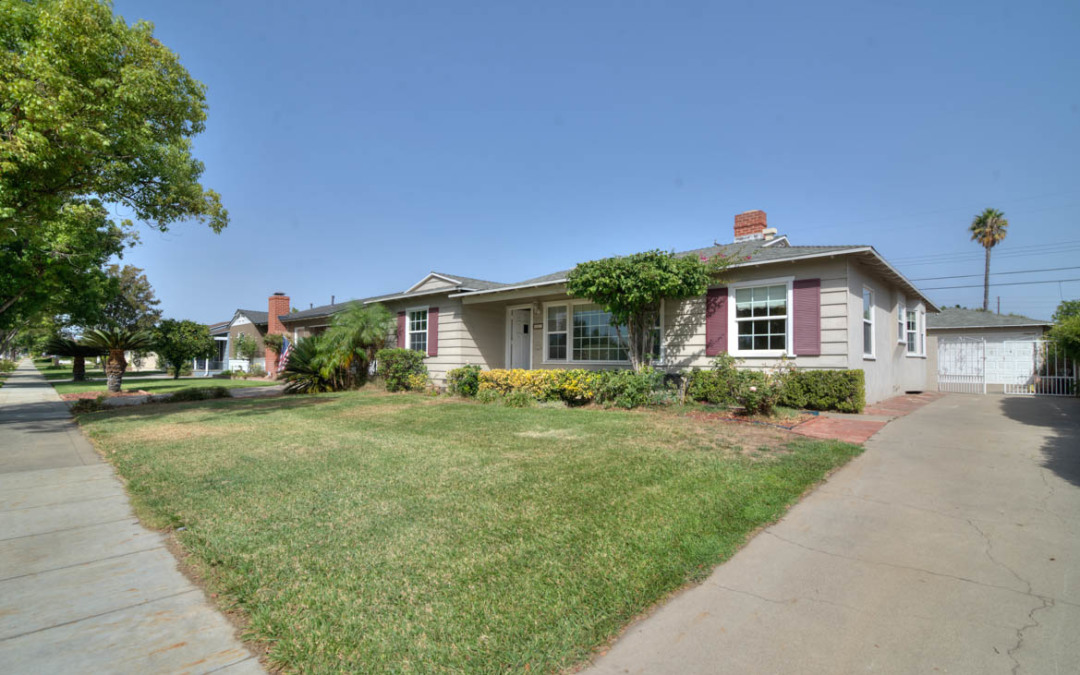 Mid Century Charmer Near Old Towne Orange