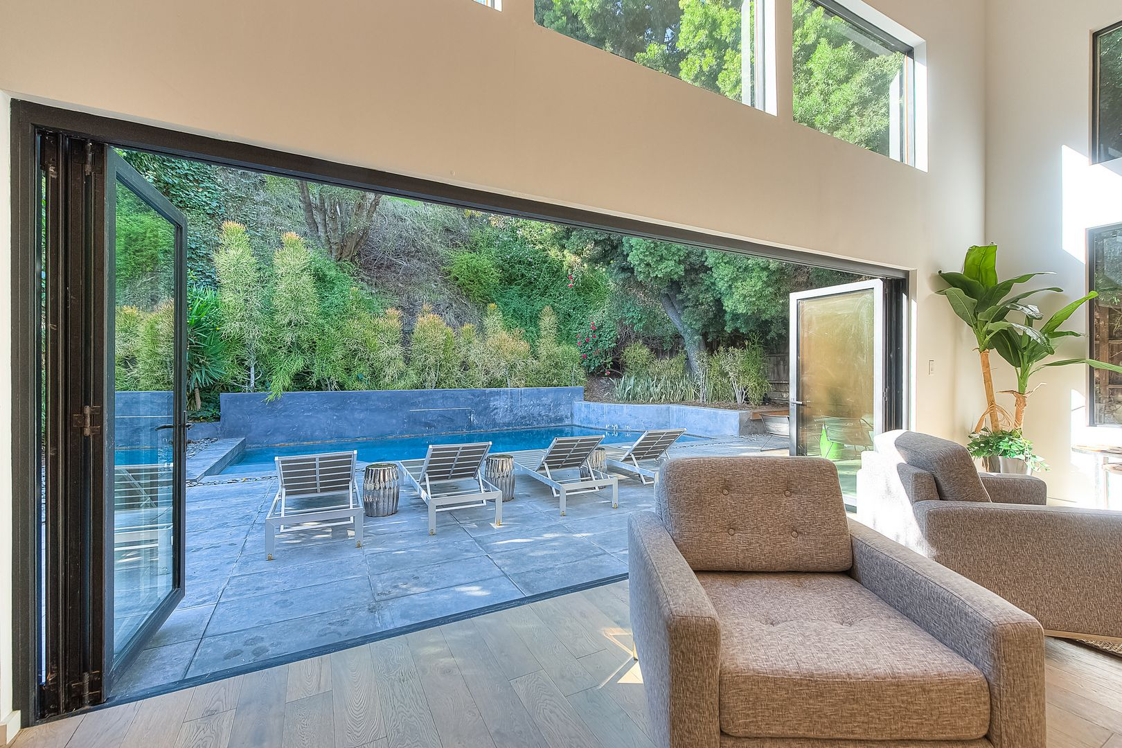 1465 Benedict Canyon Dr. Beverly Hills 90210